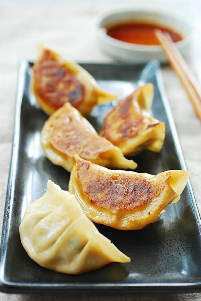 How to make Korean dumplings (mandu)