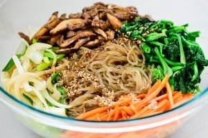 DSC5117 300x200 - Japchae (Stir-Fried Starch Noodles with Beef and Vegetables)