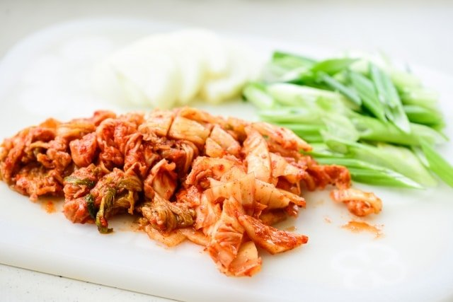 DSC0743 640x427 - Kimchijeon (Kimchi Pancake)