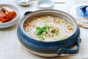 Korean porridge made with chicken