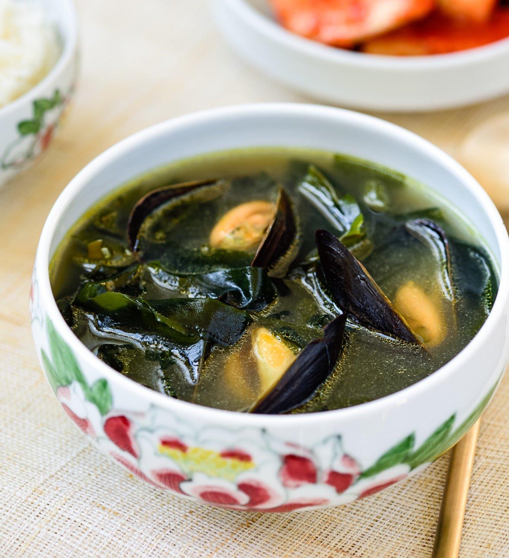 DSC9562 4 1 - Honghap Miyeok Guk (Seaweed Soup with Mussels)