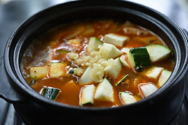 DSC 0357 600x401 - Doenjang Jjigae (Korean Soybean Paste Stew)