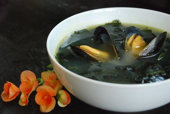 miyeok guk - Miyeok Guk (Korean Seaweed Soup)