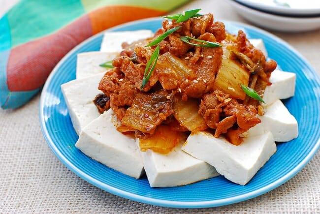 DSC 1124 e1535513763471 - Dubu Kimchi (Tofu with Stir-fried Kimchi and Pork)