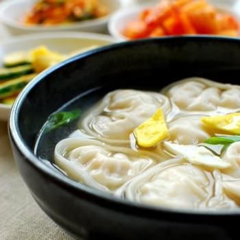 manduguk 350x350 - Manduguk (Korean Dumpling Soup)