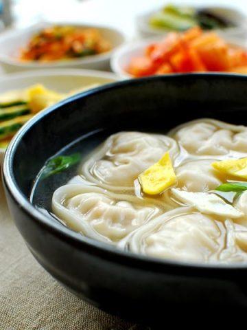 manduguk 360x480 - Manduguk (Korean Dumpling Soup)