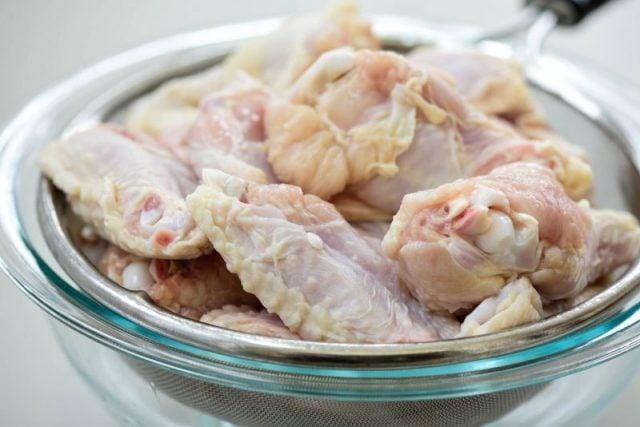 DSC7820 e1612740956397 640x427 - Baked Chicken Wings