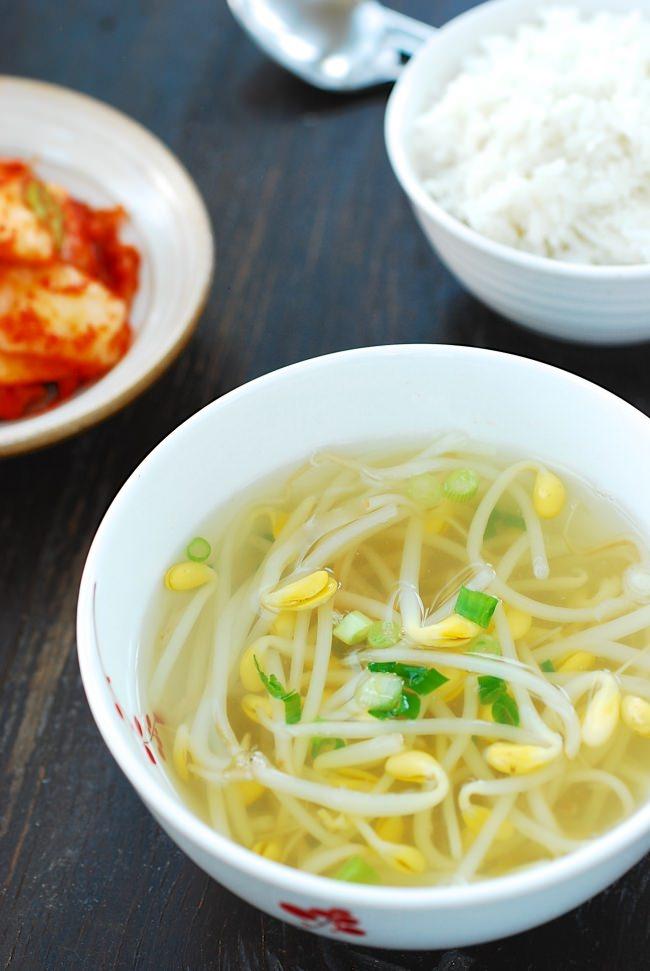 DSC 1896 e1478920069458 - Kongnamul Guk (Soybean Sprout Soup)
