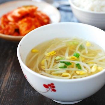 Kongnamul Guk (Soybean Sprout Soup)