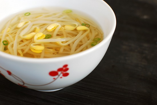kongnamul guk recipe - Kongnamul Guk (Soybean Sprout Soup)
