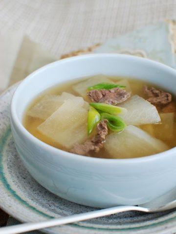 moo 2Bguk 360x480 - Korean Radish Soup (Muguk)