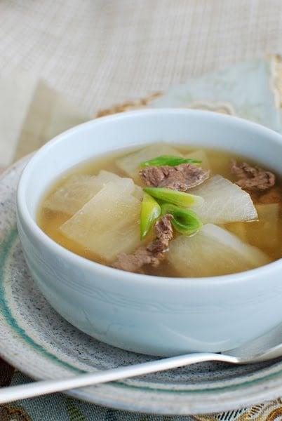 moo 2Bguk - Korean Radish Soup (Muguk)