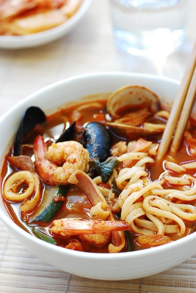 DSC 0137 e1539058132106 - Jjamppong (Spicy Seafood Noodle Soup)