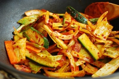 jjambbong5 e1539058626570 - Jjamppong (Spicy Seafood Noodle Soup)