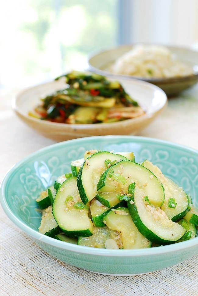 Hobak bokkeum (stir-fried zucchini)