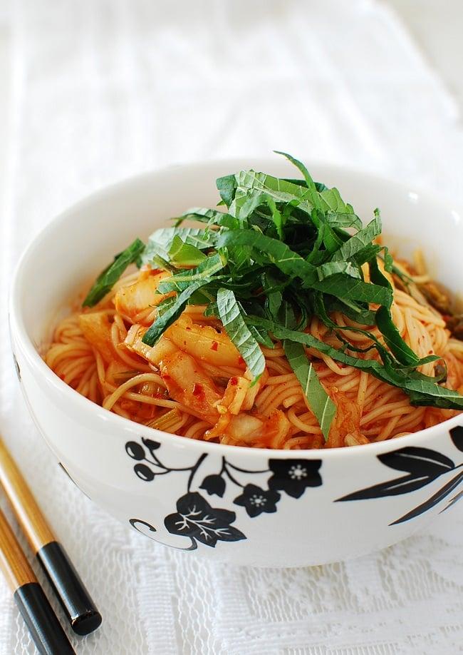 Kimchi bibim guksu photo