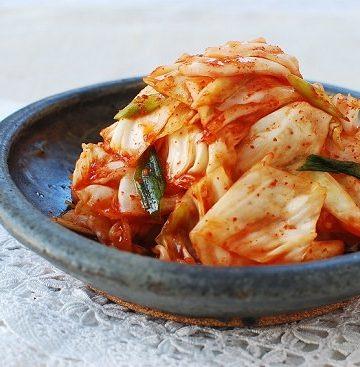 yangbaechu kimchi recipe 2 360x367 - Yangbaechu Kimchi (Green Cabbage Kimchi)