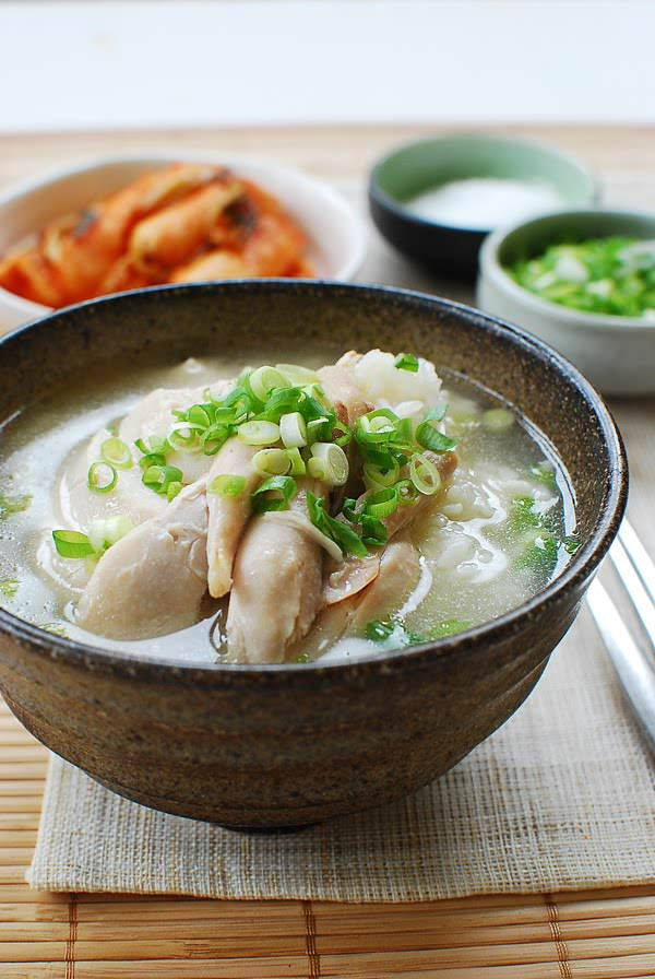Dak Gomtang (Korean Chicken Soup) - Korean Bapsang