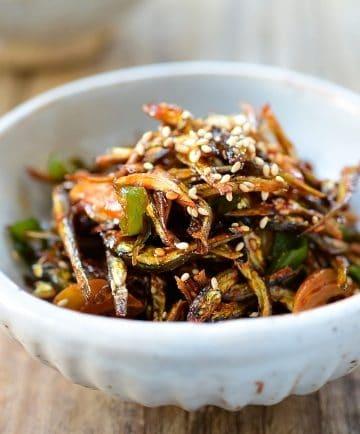 Spicy Stir-fried Dried Anchovies