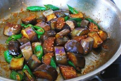 Spicy stir-fried eggplant side dish