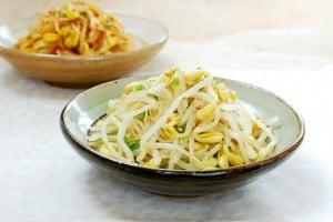 Kongnamul Muchim (Seasoned Soybean Sprouts)