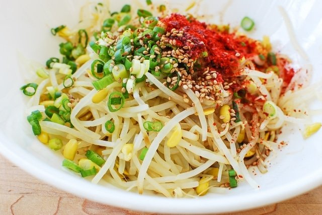 DSC 2072 640x428 - Kongnamul Muchim (Soybean Sprout Side Dish)