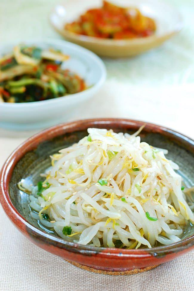 DSC 0073 e1471728326371 - Sukju Namul (Seasoned Mung Bean Sprouts)