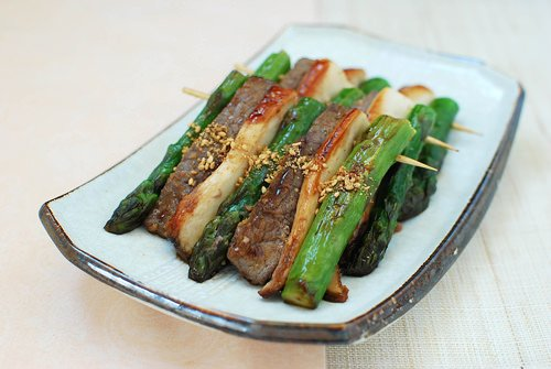sanjeok recipe - Sanjeok (Skewered Beef with Asparagus and Mushrooms)