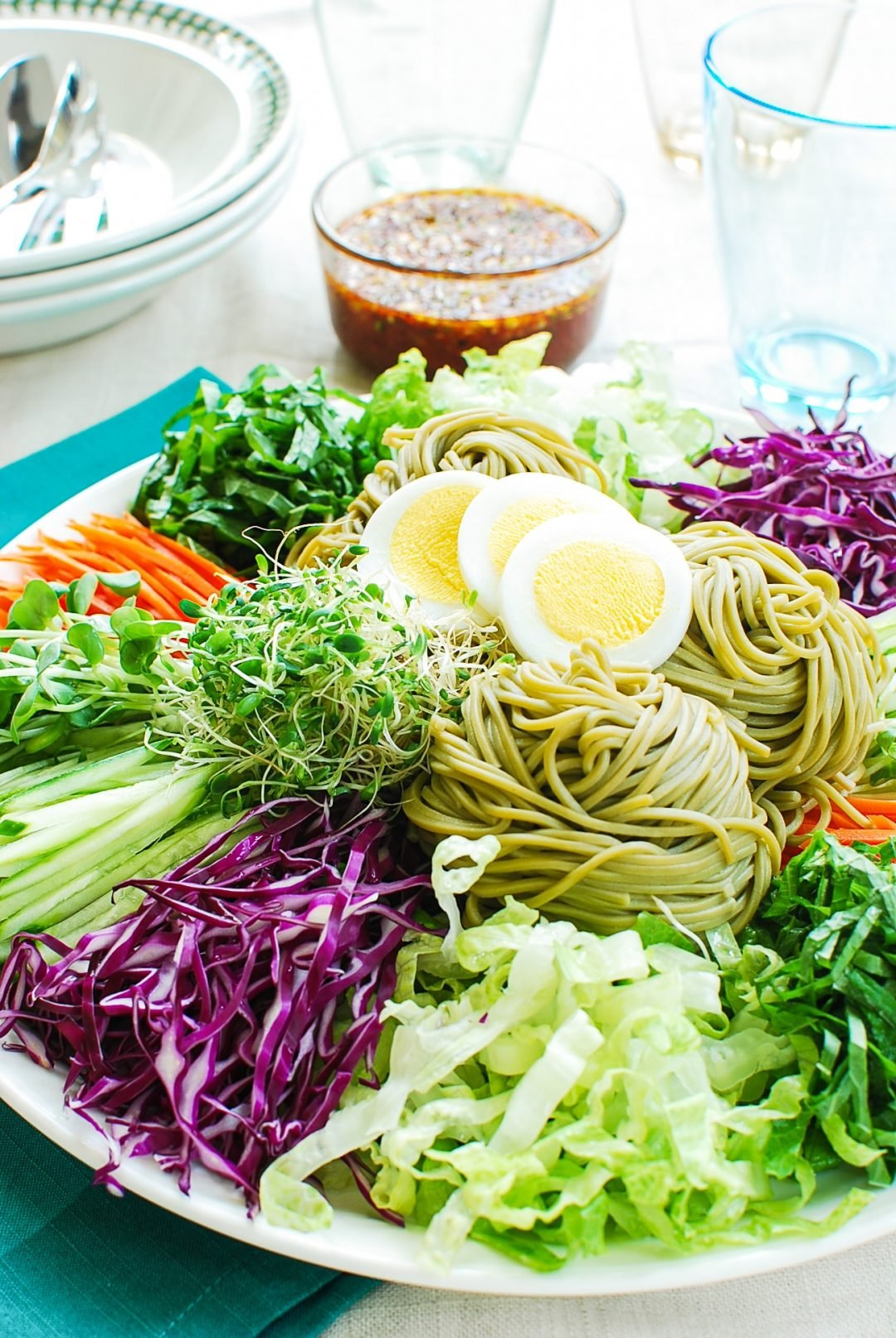 DSC 0632 e1621008477763 - Jaengban Guksu (Cold Noodles and Vegetables)