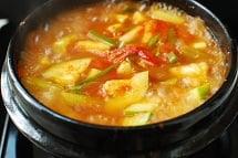 Hobak Gochujang Jjigae 6 - Gochujang Jjigae (Gochujang Stew with Zucchini)