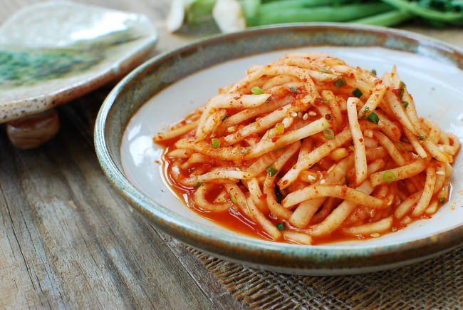 Musaengchae (Spicy radish salad)