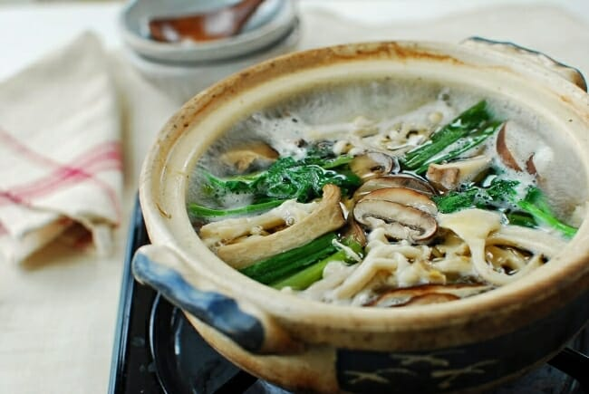 Beoseot jeongol photo e1516592226196 - Beoseot Jeongol (Mushroom Hot Pot )