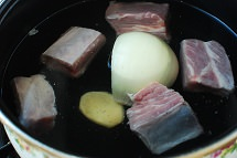 kongbiji jjigae 4 - Kongbiji Jjigae (Ground Soybean Stew)