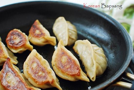 Shrimp dumplings recipe 2 - Saewu Mandu (Shrimp Dumplings)