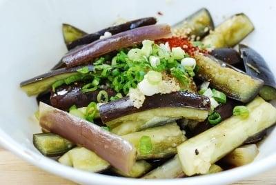 Seasoning eggplants for gaji namul