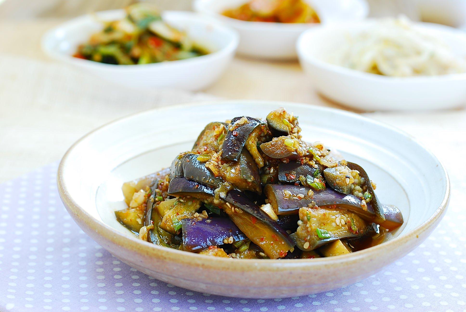 Gaji namul steamed eggplant side dish korean bapsang gaji namul eggplant side dish forumfinder Gallery