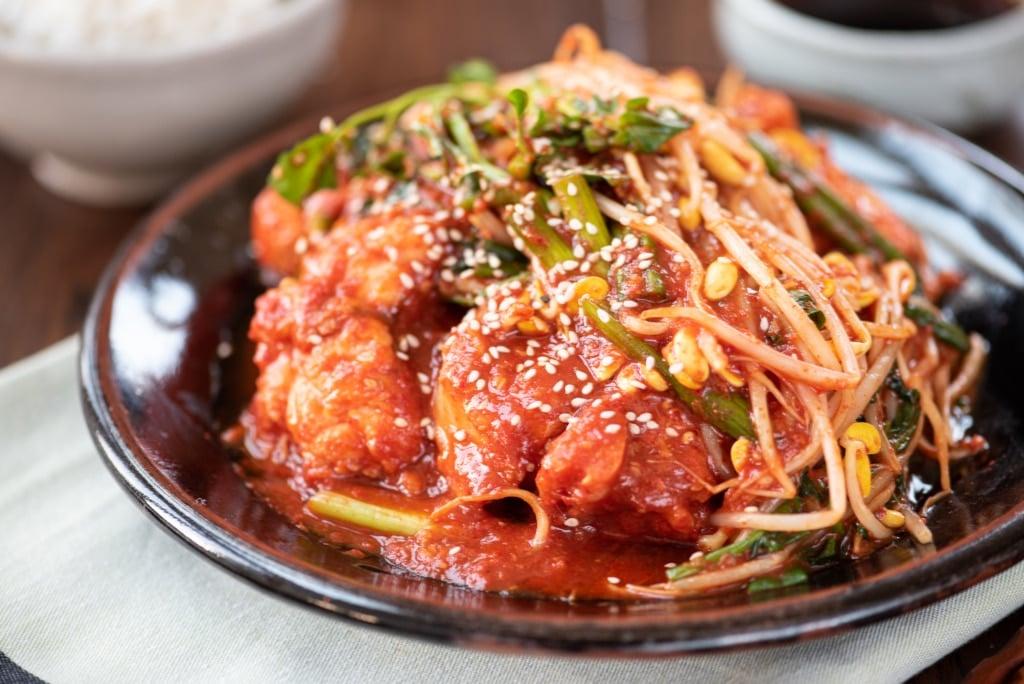 Agujjim (Spicy Braised Monkfish)
