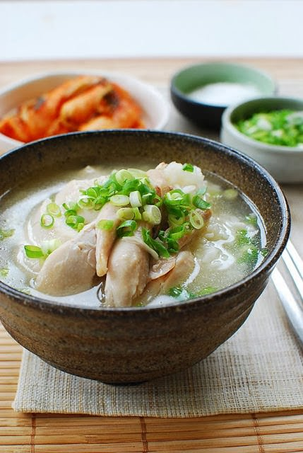 dak gomtang - 15 Korean Soup Recipes