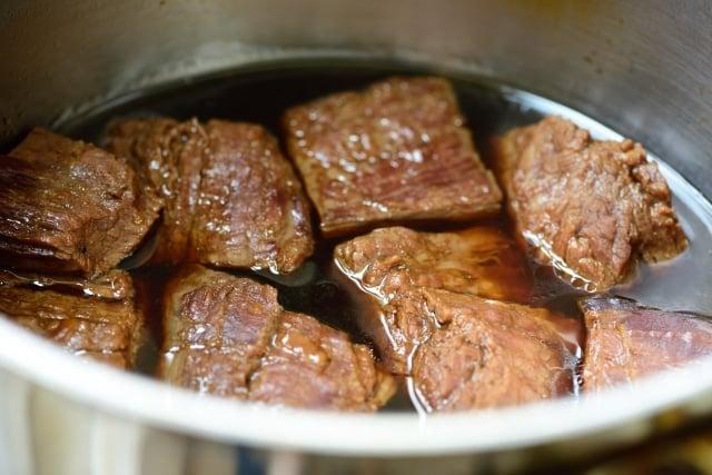DSC3777 640x427 - Jangjorim (Soy Braised Beef)