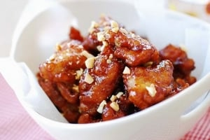 Dakgangjeong 300x200 - Dakgangjeong (Sweet Crispy Korean Fried Chicken)