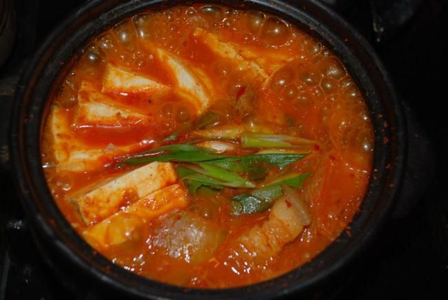 kimchi jjigae kfg e1454132693637 - Kimchi JJigae (Kimchi Stew)