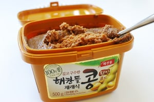Doenjang (된장) Fermented soybean paste