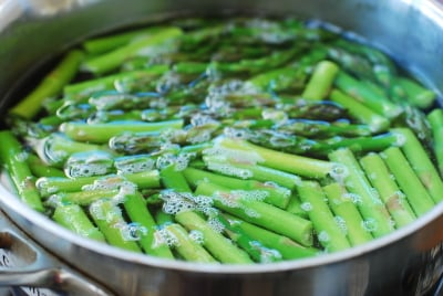 DSC 0756 e1427081585727 - Asparagus with Gochujang Sauce