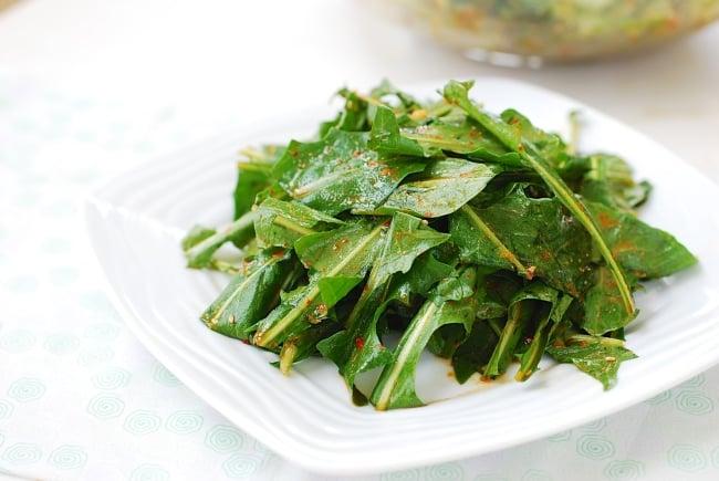 Korean-style dandelion salad