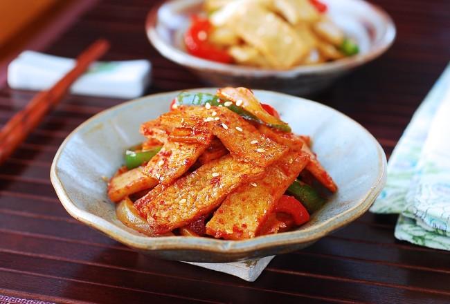 Eomuk Bokkeum (Stir-fried Fish Cake)