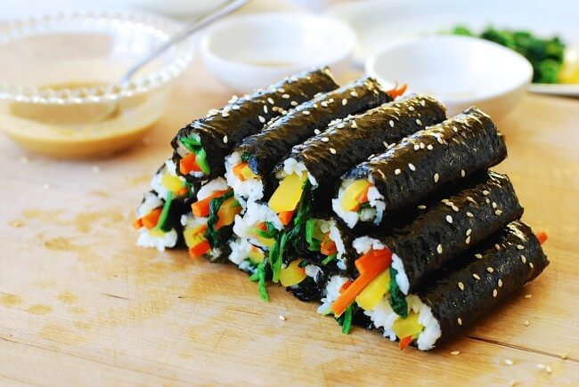 A small size gimbap rolled with a couple of filling ingredients