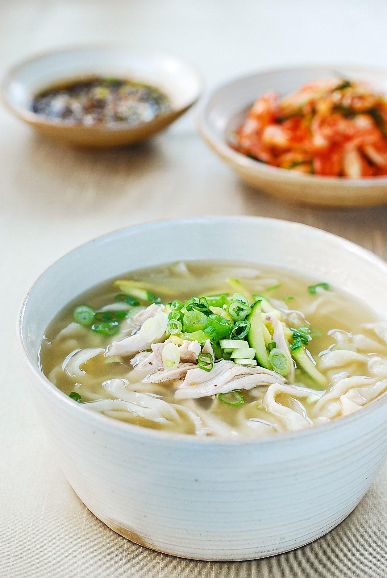 DSC 1041 - Dak Kalguksu (Chicken Noodle Soup)