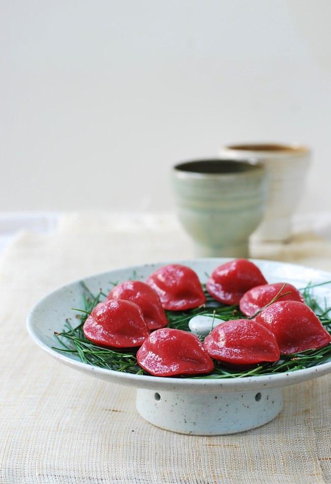 half-moon shaped rice cakes