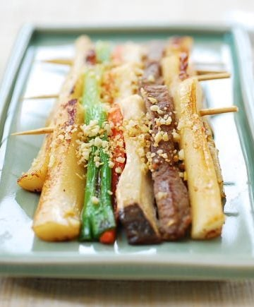 skewered rice cake with beef and vegetables