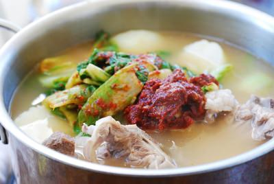 Gamjatang (spicy pork bone stew)